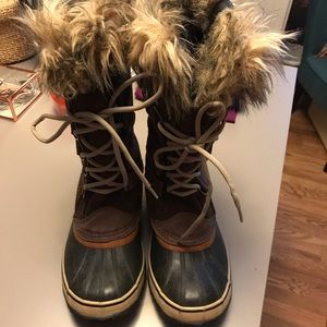 "Sorel ""Joan of Arctic"" boots"